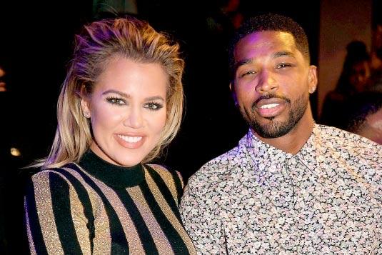 Khloe Kardashian y Tristan Thompson hablando de compromiso