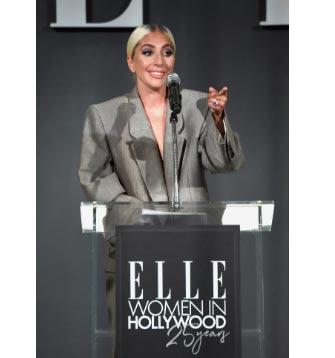 Lady Gaga confirma compromiso con Christian Carino