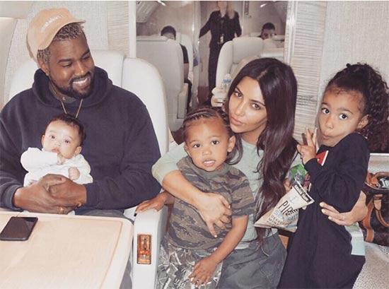 Kanye West bien con los niños pese a su salud mental. What?