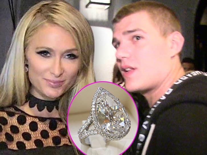 Paris Hilton no ha devuelto el anillo de compromiso LOL!