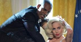 Lady Gaga se disculpa por colaborar con R. Kelly