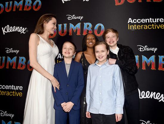 Angelina Jolie y sus brangelinos en la premier de Dumbo