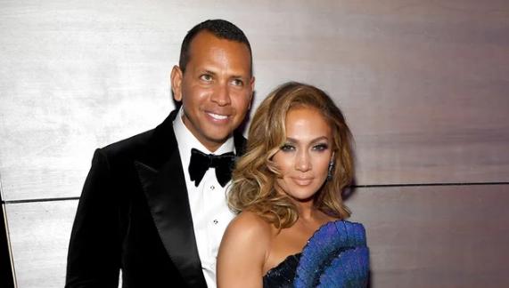Jennifer Lopez y Alex Rodriguez comprometidos!