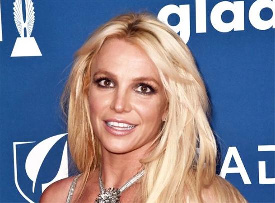 Britney Spears salió del centro psiquiátrico
