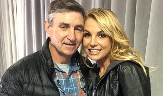 Britney Spears ingresa a psiquiátrico por enfermedad de su padre