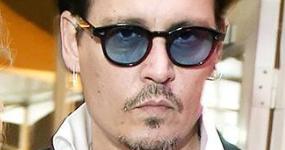 Johnny Depp dice que Amber Heard se pintó los moretones