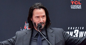 Keanu Reeves deja sus huellas en Hollywood