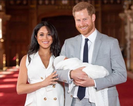 Baby Sussex! Meghan Markle y el Príncipe Harry presentan a su hijo Archie!