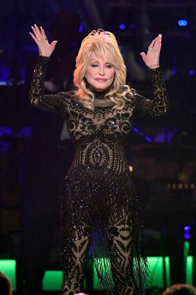 Dolly Parton sleeps makeup in case of emergency LOL!