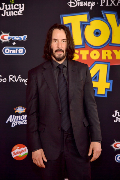 Keanu Reeves did not know he was the new Internet boyfriend! LOL!