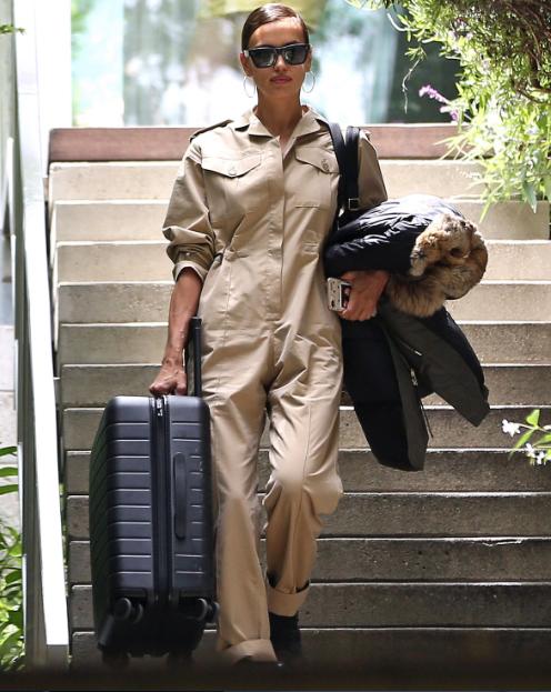 Irina Shayk maleta en mano tras terminar con Bradley Cooper