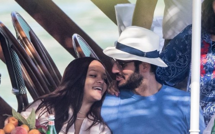 Rihanna talks about her boyfriend Hassan, wants to be a mother!