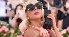 Gaga dice adiós a Bradley Cooper? Lady Gaga besando a otro hombre!