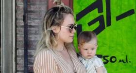 Hilary Duff criticada porque su bebita Banks tiene zarcillos