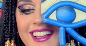 La canción Dark Horse de Katy Perry es COPIA de Joyful Noise!