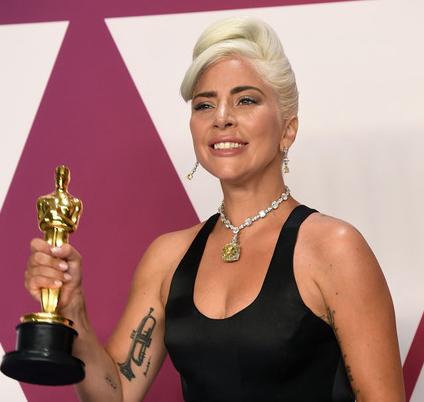 Lady Gaga acusada de copiar Shallow de otro compositor