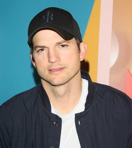 Ashton Kutcher responde a las acusaciones de Demi Moore