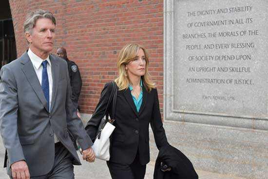 Felicity Huffman: 1 mes de cárcel por fraude en admisión universitaria