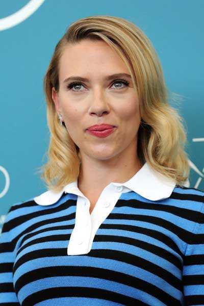 Scarlett Johansson defiende a Woody Allen y cree en él.