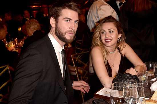 Liam Hemsworth se enteró de la ruptura con Miley por redes