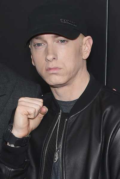Eminem entrevistado por el Servicio Secreto por su rap Framed