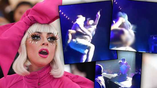 Lady Gaga se cayó del escenario montada encima de un fanático