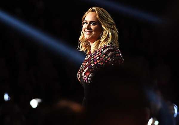 Adele dedicada a su rutina de ejercicios