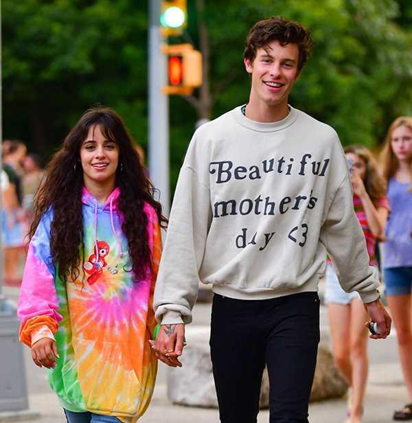 Shawn Mendes confirmó que sale con Camila Cabello