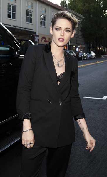 Kristen Stewart se habría casado con Robert Pattinson
