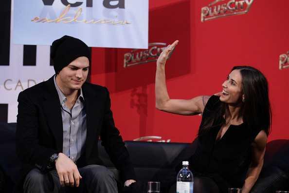 Ashton Kutcher ignora las revelaciones de Demi Moore