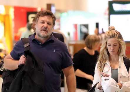 Russell Crowe gordo luce irreconocible!