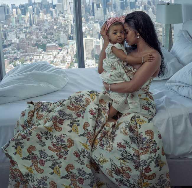 Cardi B y su hija Kulture en Vogue magazine