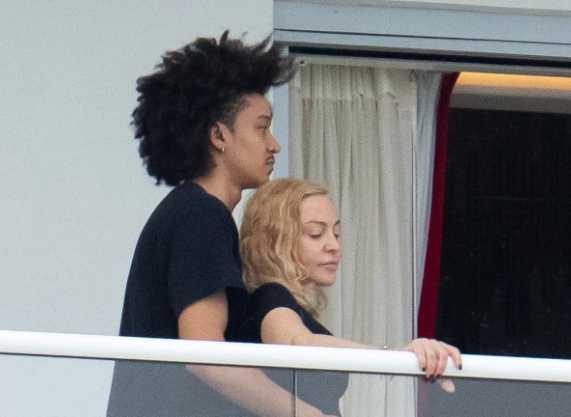 Madonna sale con el bailarín Ahlamalik Williams de 25