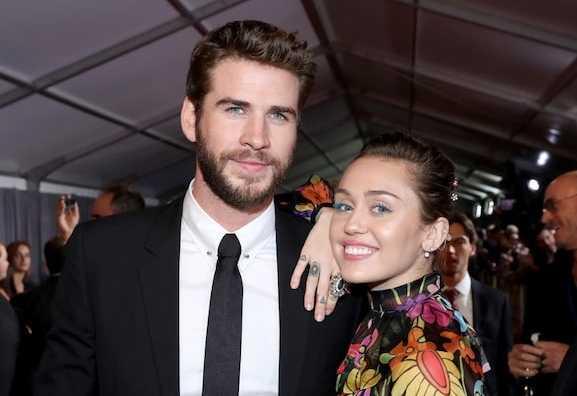 Miley Cyrus y Liam Hemsworth oficialmente divorciados!
