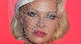Pamela Anderson se casó en secreto con Jon Peters