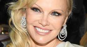 Pamela Anderson salió con Jon Peters 3 dias antes de casarse