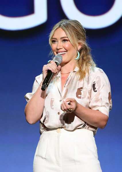 Hilary Duff pide a Disney mover Lizzie McGuire a Hulu