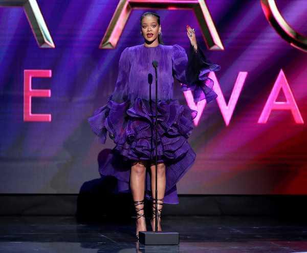 Rihanna donó 5 millones de dólares para combatir el coronavirus