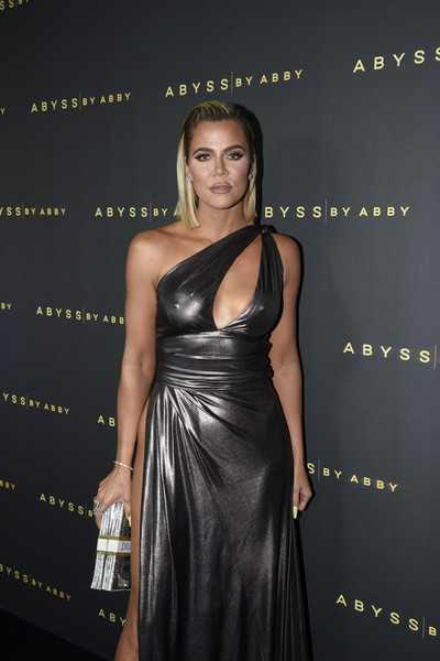 Khloe Kardashian estrena nueva cara. App o cirugía?