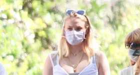 Sophie Turner se ve linda embarazada