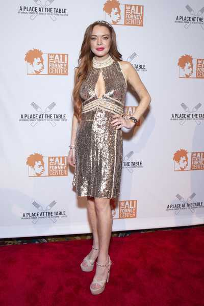 Demandan a Lindsay Lohan por no escribir un libro