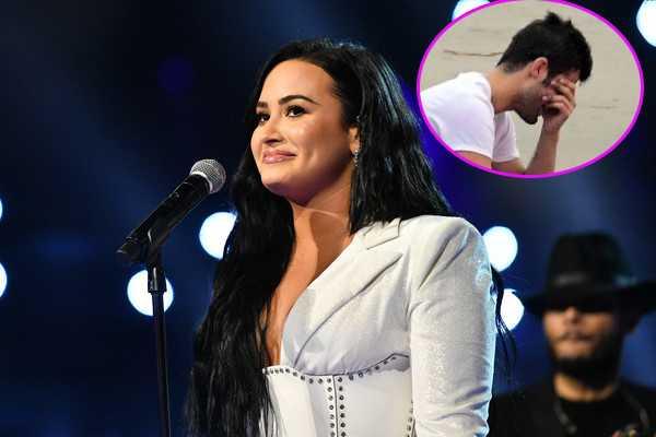 Demi Lovato avergonzada de Max Ehrich