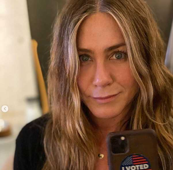 Jennifer Aniston pide que no voten por Kanye