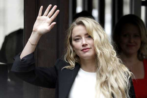 Amber Heard emocionada de comenzar Acuaman 2