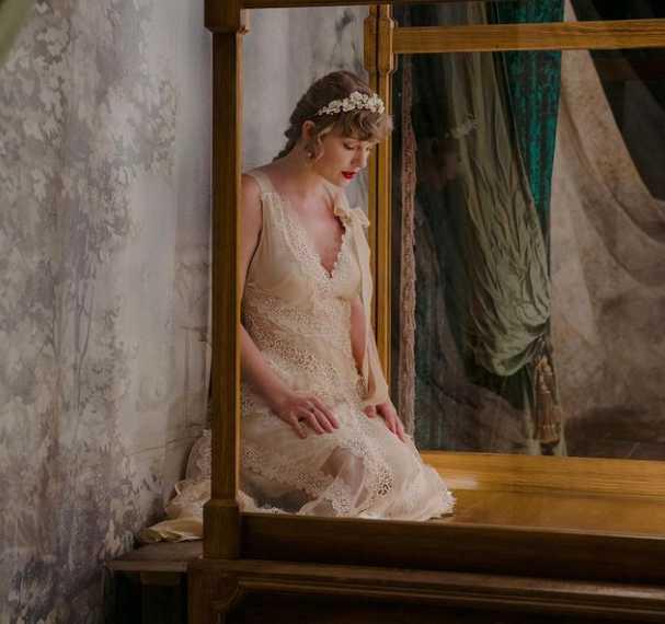 Taylor Swift vestida de novia - Willow