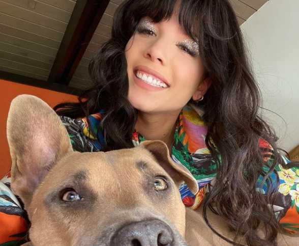 Halsey y su doggo