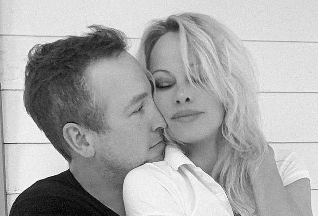 Pamela Anderson se casó con su guardaespaldas Dan Hayhurst