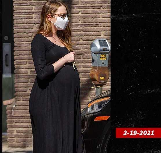 Emma Stone ya es madre!!