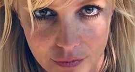 Britney Spears escribe sus posts en sus redes sociales