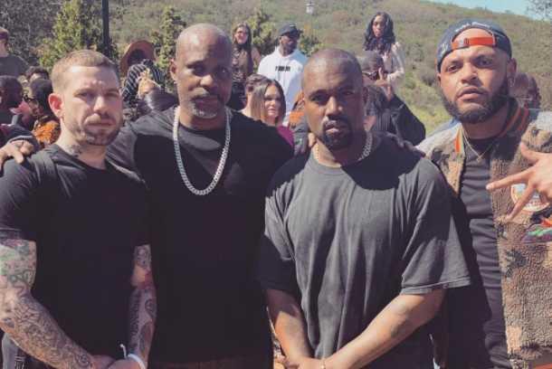 Aquí DMX posa con Kanye West